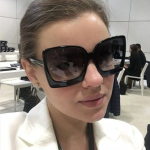 D&T New Fashion Oversized Women Sunglasses Brand Designer Plastic Female Big Frame Gradient Sun Glasses UV400 gafas de sol mujer